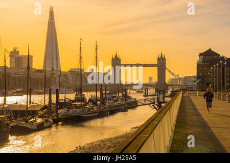 Die Scherbe und Tower Bridge River Thames, London, England, Vereinigtes Königreich, Europa Stockfoto