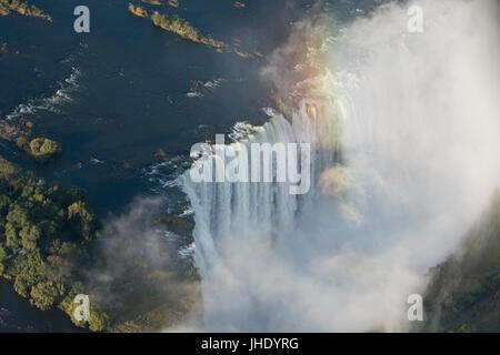 Südliches Afrika, an der Grenze zwischen Sambia und Simbabwe. Livingston, Sambia und Viktoriafälle, Simbabwe. Luftaufnahme - Stockfoto
