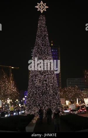 Berlin, Deutschland: Weihnachtsdekoration am Kurfürstendamm - Stockfoto