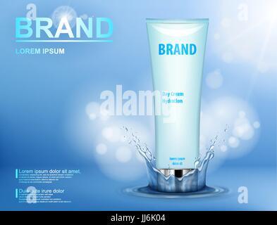 Cosmetic feuchtigkeitsspendende Markenprodukt. Container mit Sahne auf blauem Hintergrund mit Spritzwasser und weichen - Stockfoto