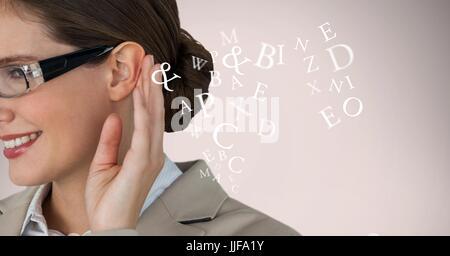 Digital Composite beschnitten Bild der Geschäftsfrau hören Alphabete - Stockfoto