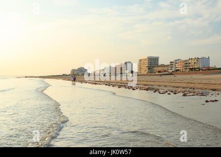 Frankreich, Vendée (85), Saint-Jean-de-Monts, le front de Mer / / Frankreich, Vendee, Saint Jean de Monts, der Uferpromenade - Stockfoto