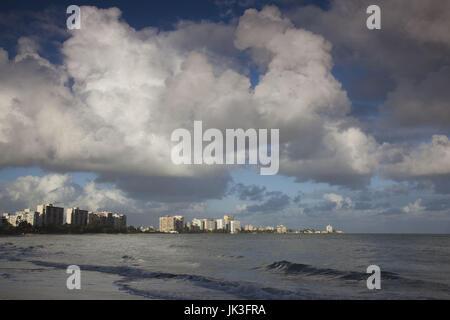 Puerto Rico, San Juan Area, Isla Verde, Playa Isla Verde Beach, morgen - Stockfoto
