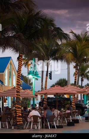 USA, Florida, Golf-Küste, Fort Myers Beach, direkt am Strand-Cafés, Dämmerung, - Stockfoto