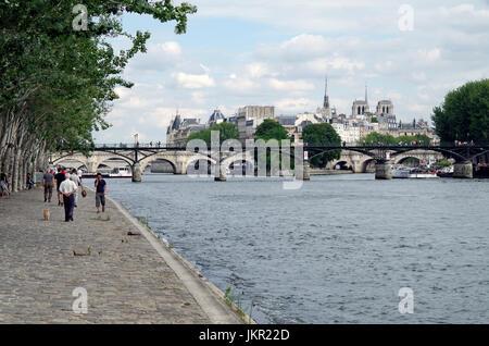 Paris, Frankreich, Blick auf Ile De La Cite, Ufer - Stockfoto