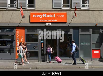 einfaches Hotel, Rosenthaler Straße, Mitte, Berlin, Deutschland, Easyhotel, Rosenthaler Straße, Mitte, Deutschland - Stockfoto