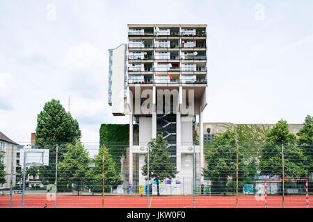 tower geh use bl cke wohnungen sozialwohnungen in cowcaddens glasgow schottland vereinigtes. Black Bedroom Furniture Sets. Home Design Ideas