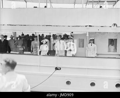First Lady Eleanor Roosevelt, Königin Elizabeth und König George von Großbritannien und US-Präsident Franklin d. - Stockfoto