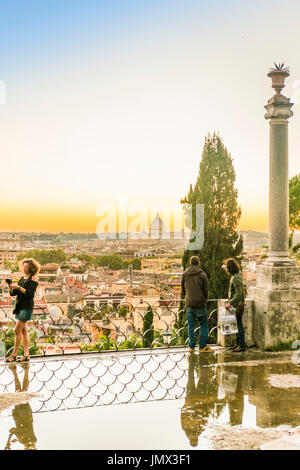 panoramablick ber rom italien in der abendd mmerung stockfoto bild 28113772 alamy. Black Bedroom Furniture Sets. Home Design Ideas