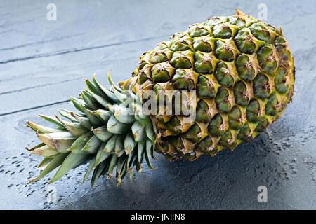 Frische Ananas, saftige reife Ananas Obst - Stockfoto