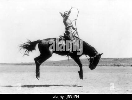 Canutt Champion Dame Fahrer der Welt in Winnemucca, 1919. Kitty Canutt Künstlernamen Kitty Wilks (15. Juli 1899 - Stockfoto