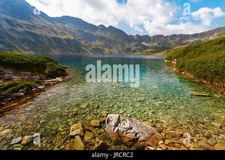 """Großen Teich 'Wielki Staw"""" in fünf polnischen Teiche Tal 'Dolina Pieciu Stawow Polskich"""", Tatra, Polen - Stockfoto"""