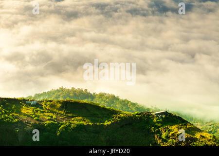 Schönen Sonnenaufgang vom Gipfel des Mount Batur - Bali, Indonesien - Stockfoto