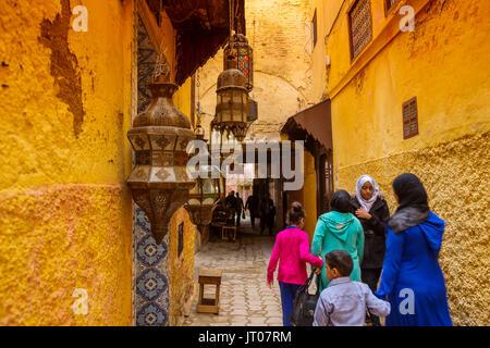 Das Leben auf der Straße. Kaiserliche Stadt Meknes, Marokko, Maghreb Nordafrika Stockfoto