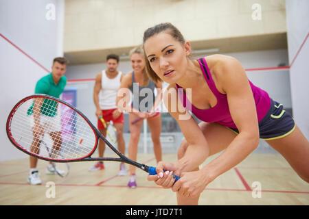 Eine Gruppe von Freunden, Squash - Stockfoto