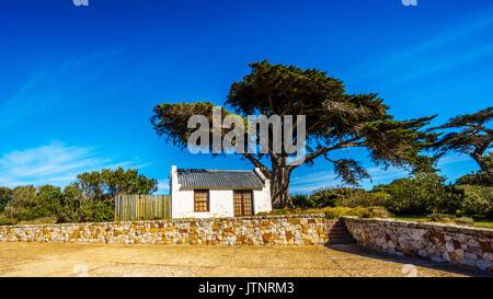 Verlassene alte Cape Cottage am Kap der Guten Hoffnung Naturpark nahe der südlichen Spitze der Kap-halbinsel in - Stockfoto
