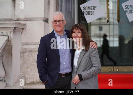 London, Großbritannien. 10 August, 2017. David Linda und Diane Weyermann, die Produzenten von Eine unbequeme Wahrheit - Stockfoto