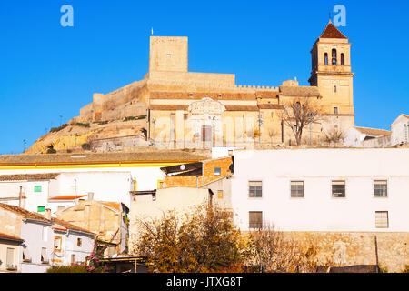 Blick auf Schloss und Kirche in Palma del Río. Andalusien, Spanien - Stockfoto