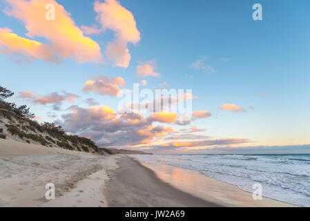 St. Clairs Strand, Sonnenuntergang am Strand, Otago, Südinsel, Neuseeland