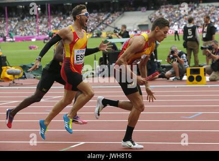 London, Großbritannien. 12 Aug, 2017. Die spanischen Oscar Husillos (C) und Lucas Bua (R) konkurrieren in der Männer - Stockfoto