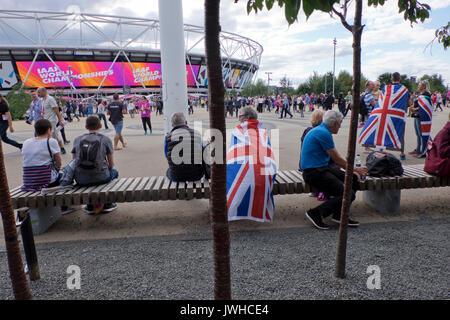 London, Großbritannien. 12 Aug, 2017. Die Besucher der Welt Internationale Leichtathletik WM 2017 auf dem Londoner - Stockfoto