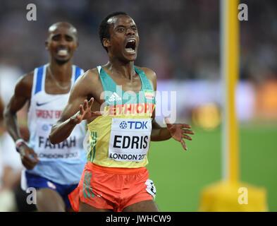 London, Großbritannien. 12 Aug, 2017. Muktar Edris von Äthiopien, gewann das Ziel in der 5000m-Finale in London - Stockfoto