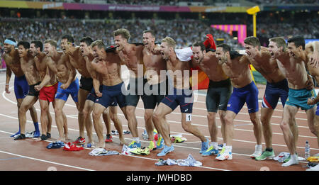 London, Großbritannien. 12 Aug, 2017. Die Athleten stellen nach dem zehnkampf Ereignis während der Leichtathletik - Stockfoto