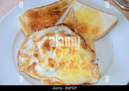 Ei auf Toast - Stockfoto