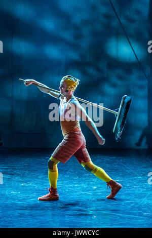 London, Großbritannien. 14. August 2017. Vorbereitung für den nächsten Akt-Cirkus Cirkör der BRITISCHEN Premiere - Stockfoto
