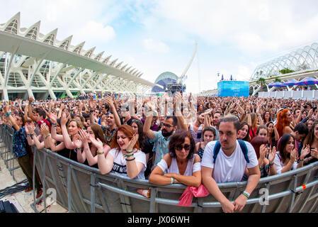 VALENCIA, Spanien - JUN-11: Die Menge am Festival de Les Arts am 11. Juni 2016 in Valencia, Spanien. - Stockfoto