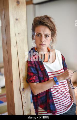 Jung, modern, hipster Frau (Model-freigegeben) - Stockfoto