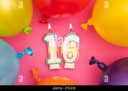 Nummer 16 Geburtstag Luftballons Kollektion Gold Silber Rot Blau