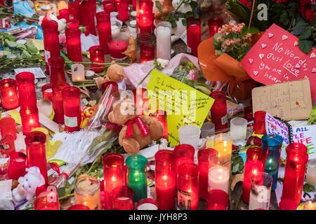 Barcelona, Spanien. 19 Aug, 2017. Am 19. August 2017 die Stadt Barcelona erlitt die ISIS Terroranschlag mit Insgesamt - Stockfoto