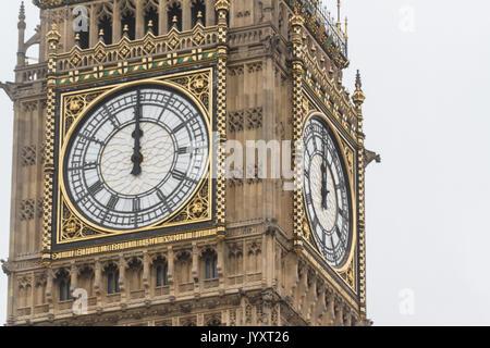 London, Großbritannien. 21 Aug, 2017. Die große Glocke der Elizabeth Tower, die gemeinhin als große Schweigen für - Stockfoto