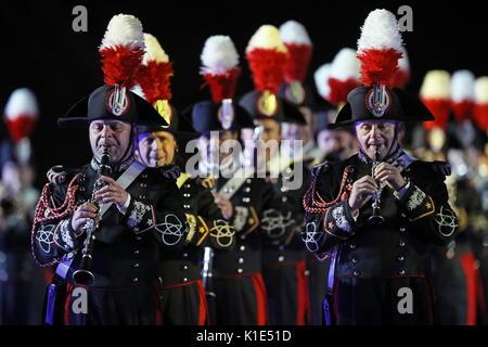 Moskau, Russland. 25 Aug, 2017. Die Carabinieri Band von Italien an der Generalprobe der Eröffnungsfeier der Spasskaja - Stockfoto
