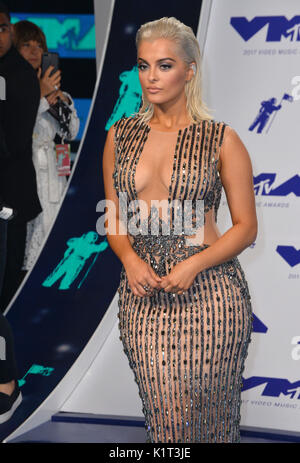Los Angeles, USA. 27 Aug, 2017. Bebe rexha an der 2017 MTV Video Music Awards im 'fabelhaft' Forum Foto: Sarah Stewart/Alamy - Stockfoto