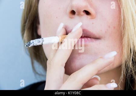 Mädchen mit Rauch