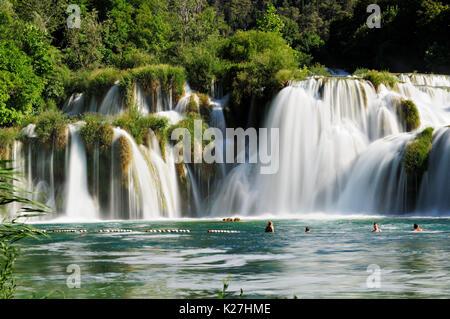 Majestätische Wasserfälle im Nationalpark Krka, Kroatien - Stockfoto