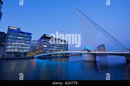 MediaCity Brücke über den Manchester Ship Canal, Salford Quays - Stockfoto