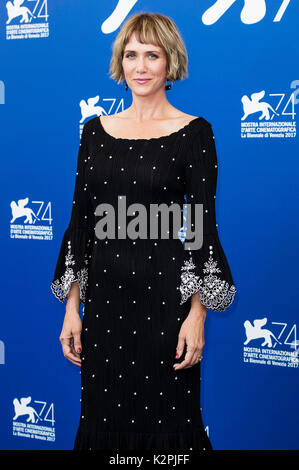 Venedig, Italien. 30 Aug, 2017. Kristen Wiig während des 'Downsizing' Fotoshooting auf dem 74. Internationalen Filmfestival - Stockfoto