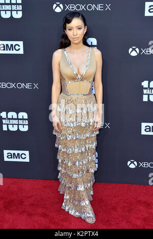 "Los Angeles, USA. 22 Okt, 2017. Christian serratos sorgt der AMC ""The Walking Dead"" Jahreszeit 8 Premiere und die - Stockfoto"