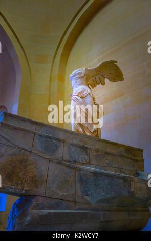 Winged Victory von Samothrake im Louvre Museum in Paris, Frankreich. - Stockfoto