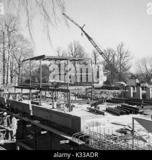 In den frühen Phasen der Konstruktion der Milton S Eisenhower Bibliothek an der Johns Hopkins University, Stahlträger, - Stockfoto