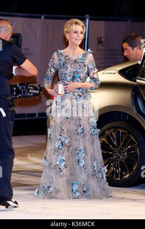 """Venedig, Italien. 01 Sep, 2017. Jane Fonda die Teilnahme an der """"unsere Seelen in der Nacht 'Premiere auf dem 74. - Stockfoto"""
