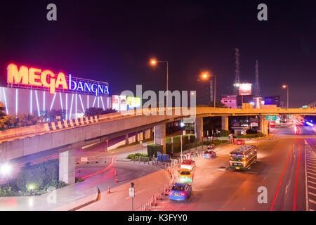 Bangkok, Thailand - Nov 8,2017: Mega Bangna ist ein großes Einkaufszentrum in Bangkok. Es ist das erste horizontale - Stockfoto