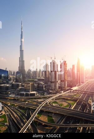 DUBAI, VEREINIGTE ARABISCHE EMIRATE - Okt 7, 2016: Downtown Dubai mit dem Burj Dubai Turm. Dieser Wolkenkratzer - Stockfoto