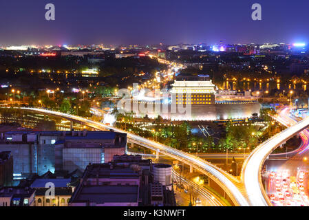 Deshengmen Pfeil Turm Landschaft in der Nacht, war es eines der Stadttore des alten Peking zu sein. - Stockfoto