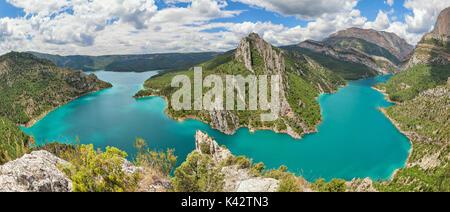 Panorama der Canelles Reservoir in La Noguera, der Provinz Lleida, Katalonien, Spanien - Stockfoto