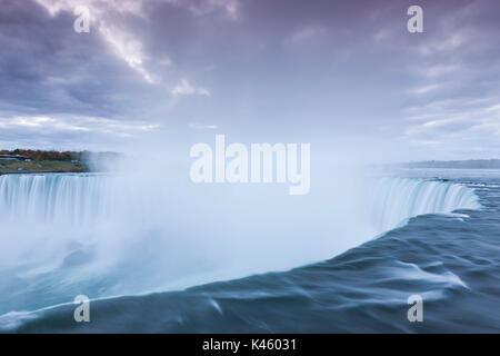 Kanada, Ontario, Niagara Falls, Horseshoe Falls, Dawn - Stockfoto