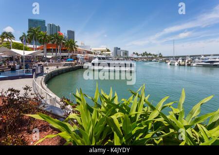 Hafen in der Bayside Marketplace in Downtown, Miami, Florida, Vereinigte Staaten von Amerika, Nordamerika - Stockfoto